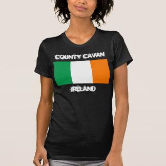 Comté Cavan, Irlande avec le drapeau irlandais T-shirt