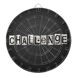 Concept de mot de défi jeux de fléchettes