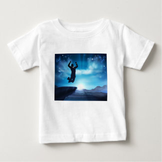 Concept sautant de succès d'homme d'affaires t-shirt pour bébé