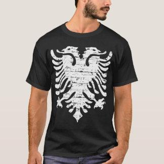 Conception affligée par drapeau albanais t-shirt