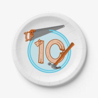 conception an d'anniversaire de 10 de garçon assiettes en papier
