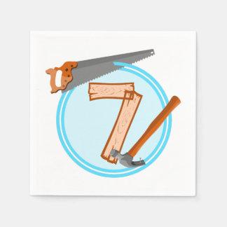 conception an d'anniversaire de 7 de garçon outils serviette en papier