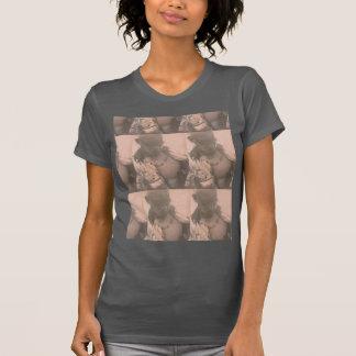 Conception chaude de bonito de Nino nouvelle T-shirts