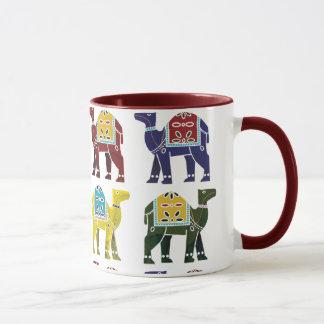 Conception de chameau sur la tasse - tous les