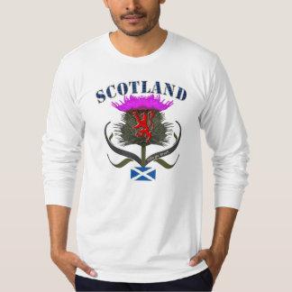 Conception de drapeau de lion et de saltire de t-shirt