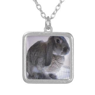 Conception de lapin de lapin de nature pendentif carré