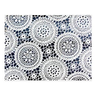 Conception de napperon faite du crochet par cru carte postale