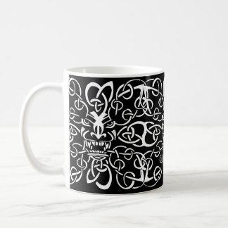Conception ethnique de motif de masque tribal mug