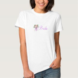Conception florale mauve de jeune mariée t-shirts