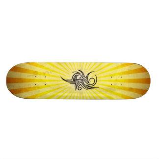 Conception gothique d art jaune skateboard