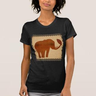 Conception tribale d'art d'éléphant t-shirt