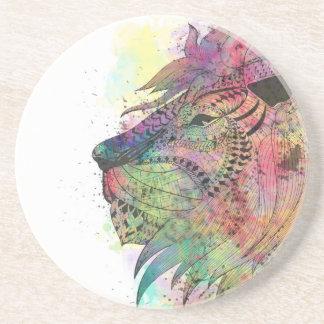 Conception tribale impressionnante de lion dessous de verre en grès