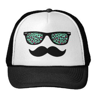 Conception turquoise et rose de moustache de casquette trucker
