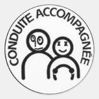 conduite accompagnée heureuse sticker rond