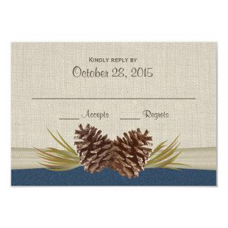 Cônes de pin et carte de réponse de bleu marine de carton d'invitation 8,89 cm x 12,70 cm