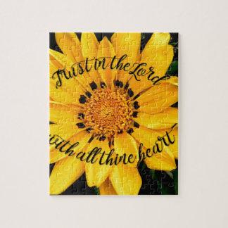 Confiance dans le seigneur Bright Yellow Flower Puzzle