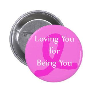 Conscience de ruban de cancer du sein vous aimant badges
