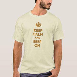 Conservez le calme et la bière sur le T-shirt