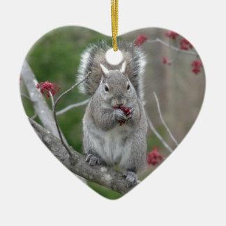 Consommation d'écureuil ornement cœur en céramique