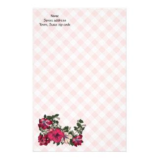 Contrôle rose féminin et fleurs de joli pays papeterie