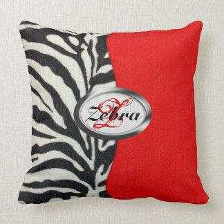 Copie à la mode de zèbre et monogramme rouge au oreillers