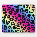 Copie au néon de motif de léopard d'arc-en-ciel tapis de souris