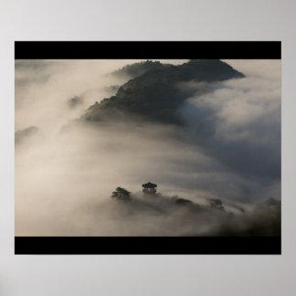 Copie d'affiche de paysage de nuage de montagne posters