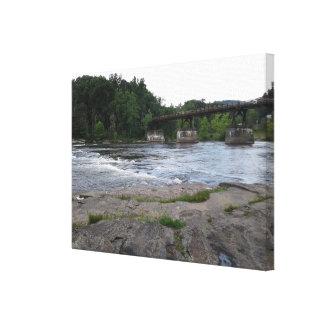 Copie de toile de pont en montagne