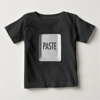 Copie et pâte t-shirt pour bébé