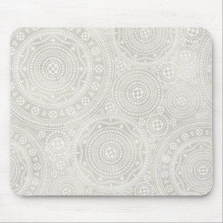 Copie neutre de mandala de napperon en ivoire de tapis de souris