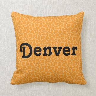 Copie orange décorative de girafe des carreaux | oreillers