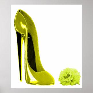 Copie stylet jaune mûre de chaussure et de rose posters