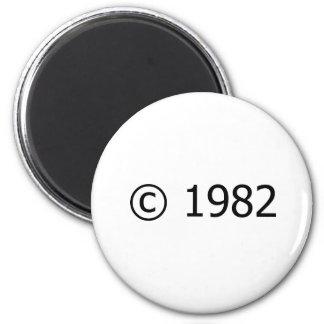 Copyright 1982 magnets pour réfrigérateur