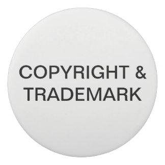 Copyright et gomme de marque déposée