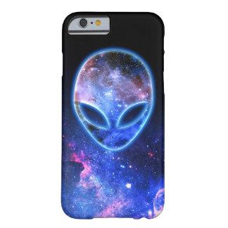 Coque Barely There iPhone 6 Alien dans l'espace