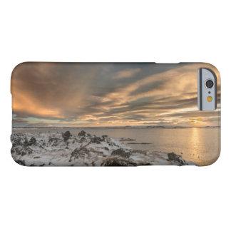 Coque Barely There iPhone 6 Coucher du soleil au-dessus de lac Myvatn, Islande