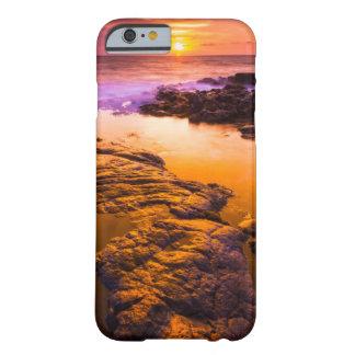 Coque Barely There iPhone 6 Coucher du soleil au-dessus des piscines de marée,