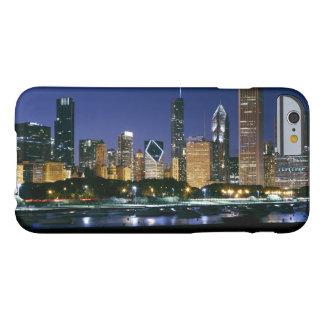 Coque Barely There iPhone 6 Horizon de Chicago du centre la nuit