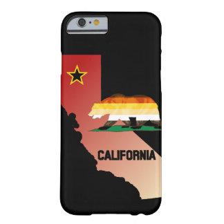 Coque Barely There iPhone 6 Ours de la Californie de drapeau de fierté d'ours