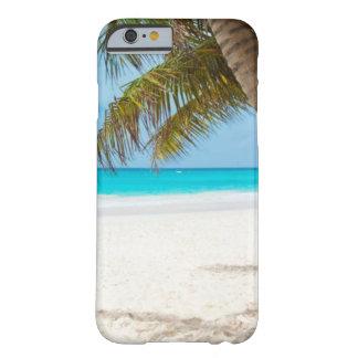 Coque Barely There iPhone 6 Plage tropicale et palmier de sable blanc