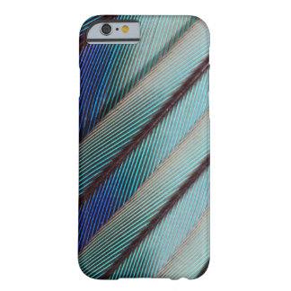 Coque Barely There iPhone 6 Plume lilas bleue de rouleau de Breasted