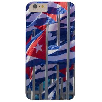 Coque Barely There iPhone 6 Plus Drapeaux cubains, La Havane, Cuba