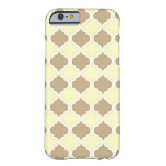 Coque Barely There iPhone 6 Treillis jaune de Brown Maroccan - trèfle de