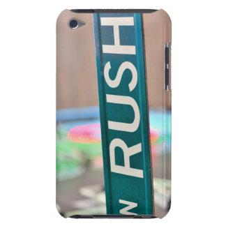 Coque Barely There iPod Une plaque de rue de rue de précipitation devant