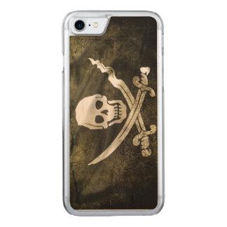 Coque Carved iPhone 8/7 Crâne de pirate dans des épées croisées