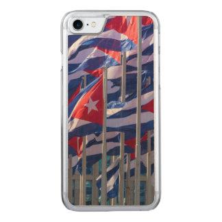 Coque Carved iPhone 8/7 Drapeaux cubains, La Havane, Cuba