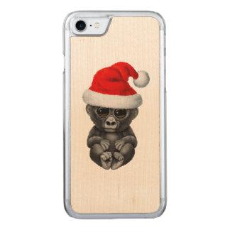 Coque Carved iPhone 8/7 Gorille de bébé utilisant un casquette de Père