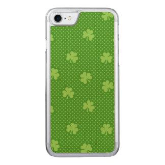 Coque Carved iPhone 8/7 Jour vert de Patricks de saint de motif de trèfle
