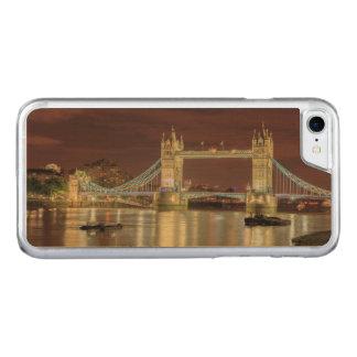Coque Carved iPhone 8/7 Pont de tour la nuit, Londres