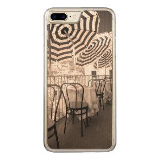 Coque Carved iPhone 8 Plus/7 Plus Balcon étrange de restaurant, Italie